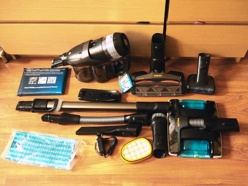 Wszystkie elementy odkurzacza Philips 8000 Aqua Plus XC8349/01